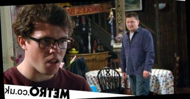 Spoilers: Emmerdale star reveals Paul is 'at war' with himself over gambling