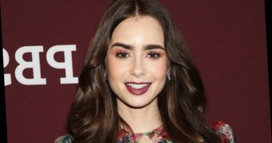Lily Collins Relies on Imagination to Play Herman J. Mankiewicz's Secretary in 'Mank'